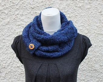 KNITTING PATTERN - blue infinity loop scarf, womens scarf pattern with button cuff - Listing154