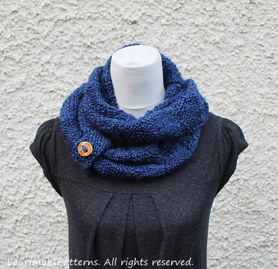 Knitting Patterns For Women s Scarf : KNITTING PATTERN blue infinity loop scarf womens scarf