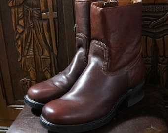 Vintage Frye Boots Short Campus Boots Mens 10.5 Biker Boots Brown Leather Inside Zip Block Heal Neoprene Sole Made in USA 1980s Vintage New