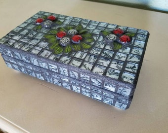 Silver Mosaic Decorative Wooden Jewelry Box Red Roses