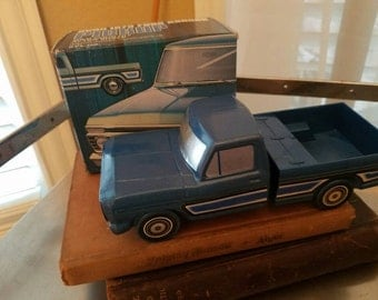 Avon collectible, 1973 Ford Ranger, pickup Wild Country,, After Shave, box