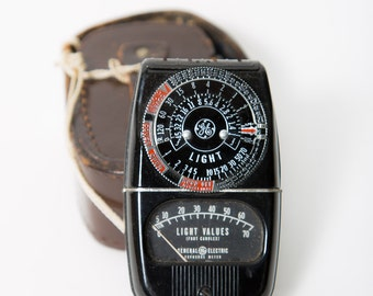 Light Meter General Electric Exposure Meter Leather Case Mid Century Photography Camera Accessory 1960s