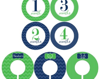 Monthly Stickers and Clothing Dividers Gift Set for Baby Boys in Navy Blue and Kelly Green - BGS002