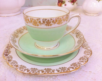 Peppermint Green Trio with Gold Filigree Border