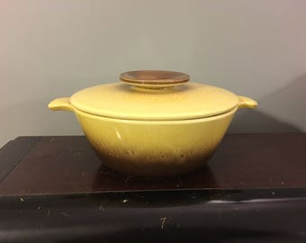1950s Vintage Hull Pottery Mid-Century Retro Divided Lidded Casserole Dish Brown & Yellow Gold Drip Glaze Design No. 35 Oven-Proof