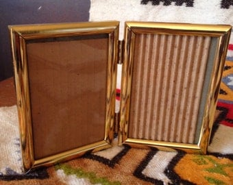 Bi-fold Brass Frame 3 1/2x5 Folding Two Picture Frame