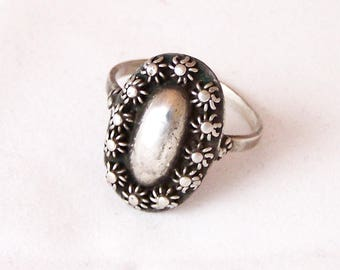 Vintage Sterling Silver Ring, Oval Ring, Domed Silver Ring, Silver Ring, Size M , Size 6.5