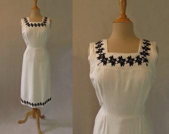 White Dress With Black Embroidery - 1950s