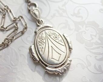 Lariat Style Locket Necklace, vintage sterling Y necklace, sterling silver locket necklace, 1930s locket, LONG sterling necklace