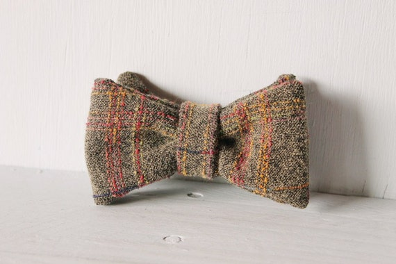 Dog bow tie >> Grey and multi-coloured textured bow with elastic >> Pet gift