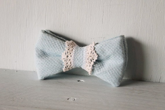 Dog bow tie >> Baby blue with white lace bow with elastic >> Pet gift