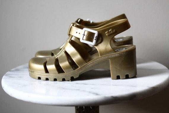 1990s JuJu sandals // vintage gelly sandals // vintage jelly shoes