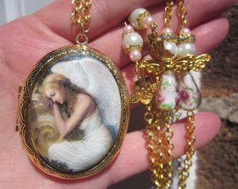 Unique ANGEL resting porcelain cameo large G.P. LOCKET & Rose Lampwork tear drop and PEARL decorative chain w. earrings