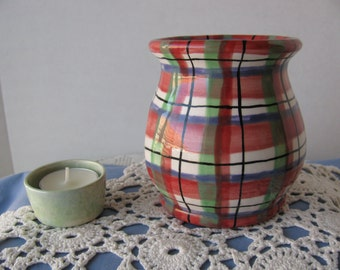 Hand Painted Ceramic Wax Melt Pot, Scented Oil Warmer, Red Plaid Design