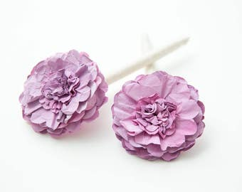Flower Pens // Wedding Guestbook Pens in lilac and cream - yarn wrapped pens with paper flower - set of 2