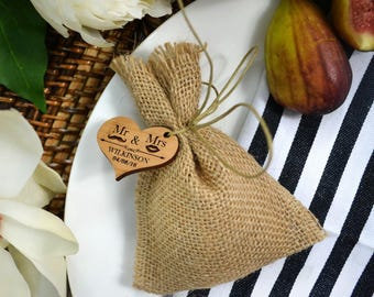 30x Hessian Bag with Wooden Gift Tag