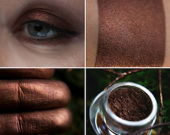 Eyeshadow: Herald of the Dark Forest - Druidess. Deep and dark reddish-brown satin eyeshadow by SIGIL inspired.