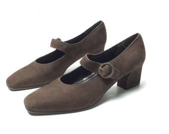 1990s shoes, 90s shoes, Mary Janes, brown shoes, 1920s 20s brown Mary Janes, chunky heel shoes, vintage 90s shoes, vintage 1990s shoes