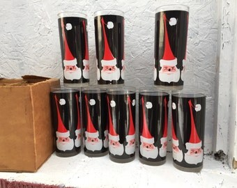VTG 8 Santa Claus Tall Drinking Glasses In Original Box. IOB. Excellent Vintage Condition