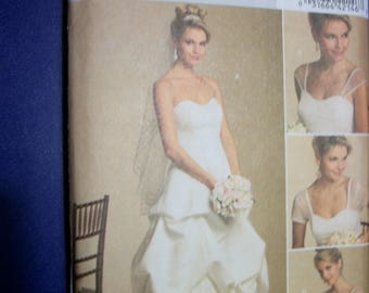 Butterick B5184 Misses/Miss Petite (Size BB 8-10-12-14) gown with detachable sleeves