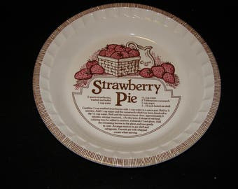 "Royal Jeannette 11"" Stawberry Pie Baker"