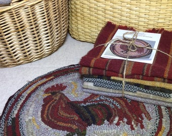 """Primtive Rug Hooking Kit for """"Herald the Rooster"""" Chair Pad  14"""" Round  K130"""