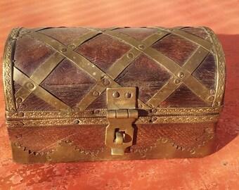 VINTAGE TREASURE box, pirates treasure chest, Jewlery box, wood with beautiful brass ornaments, indian box, home decor (SYR 1)