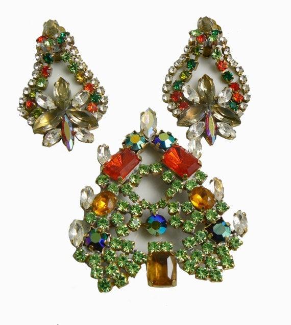 Czech glass christmas tree pin and clip earrings set