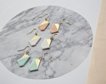 Earrings Itten · Minimalist jewelry · Geometric earrings · Pending triangle · Long earrings