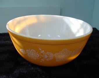 Pyrex Gold Butterfly Bowl, 2 1/2 Quart