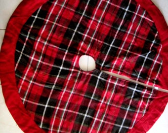 Christmas Tree Skirt Red Plaid 46 REVERSIBLE To RED Black