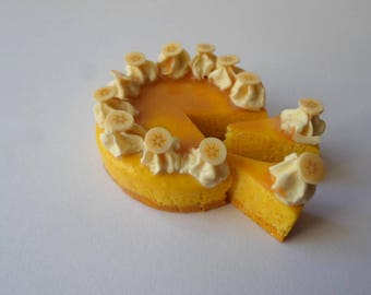 Dolls house, Sylvanian Families   doll food , banana and toffee cheesecake 1/12th scale