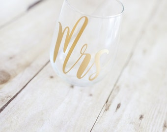 Mrs Stemless wine glass