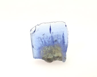Tanzanite crystal from Tanzania - 4ct / 12mm x 11mm x 3mm (T10942)