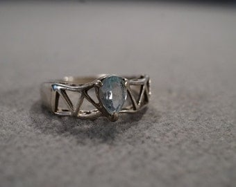 vintage sterling silver statement ring with large pear-shaped blue topaz stone set in a contemporary setting, size 7   M1