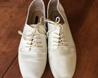 Women's Zara White Oxford Loafers size 6