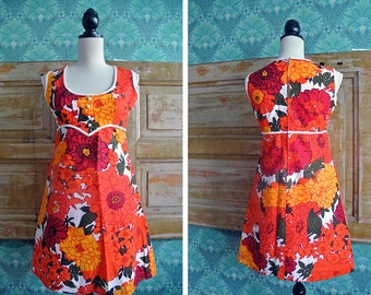 Vintage 60's Mod White Orange Red Floral Twiggy Dolly Mini Shift Dress