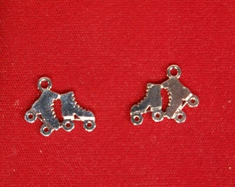"BULK! 15pc ""roller skates"" charms in antique silver style (BC1154B)"