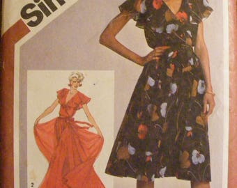 1980 Misses' Lined Pullover Full Length Sleeveless Dress Simplicity Sewing Pattern 9870 Size 14 Bust 36""