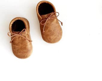 baby moccasin loafers / DISTRESSED CARAMEL leather