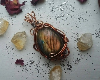 Wire Wrapped Orange Labradorite Pendant, Labradorite Necklace, Labradorite Jewelry, Copper and Labradorite Pendant, Gold Labradorite Pendant