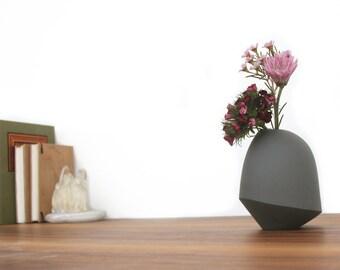 slip cast porcelain matte birdie vase