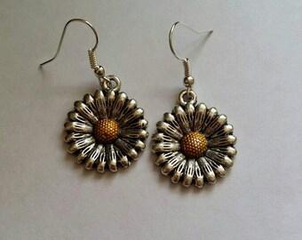 Large daisy earrings