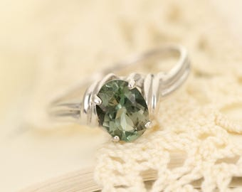 Green Oregon Sunstone in Sterling Silver Ring, Style VP