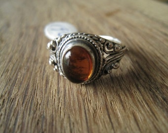Vintage Sterling Silver Yellow Amber Scroll Ring Size 8-8.25 (196)