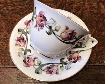 Vintage Royal Worcester cup and saucer - Tulip pattern