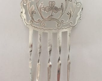 Gorgeous circa 1906 hallmarked english sterling silver hair comb, sterling hair comb, sterling etched hair comb, with lucky clover, antique