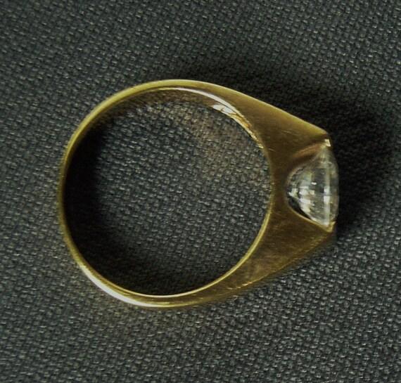 14 karat gelbgold gold ring mit gro em klarem stein 50er. Black Bedroom Furniture Sets. Home Design Ideas