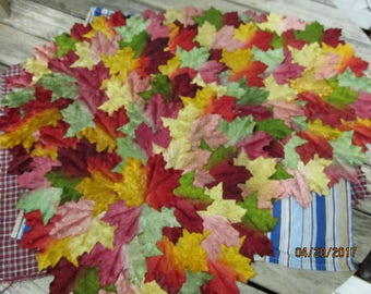 """Set of 4 Vintage 15"""" Round Fall Harvest Leaf Shaped Placemats Place Mats for your farmhouse Table"""