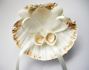 Seashell ring holder, Wedding Ring Holder, Sea shell Ring Bearer, Sea Wedding, Beach Ring Bearer, Beach Ring holder, Sea Shell Ring Pillow